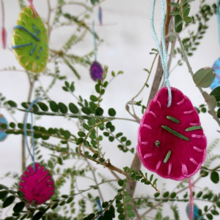 Simple Hand Sewn Felt Easter Tree Decorations