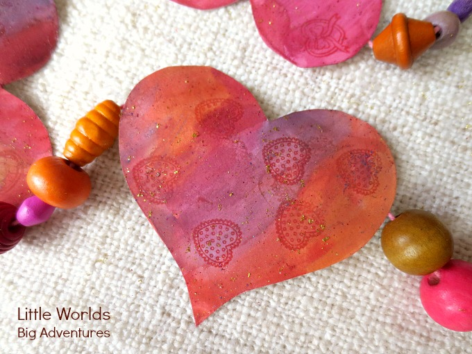 How to Make a Simple and Gorgeous Heart Garland
